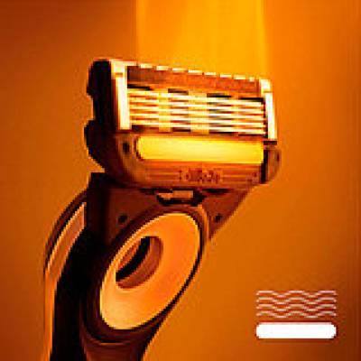 Бритва Gillette Labs Heated Razor с 2-мя кассетами и функцией подогрева 01596